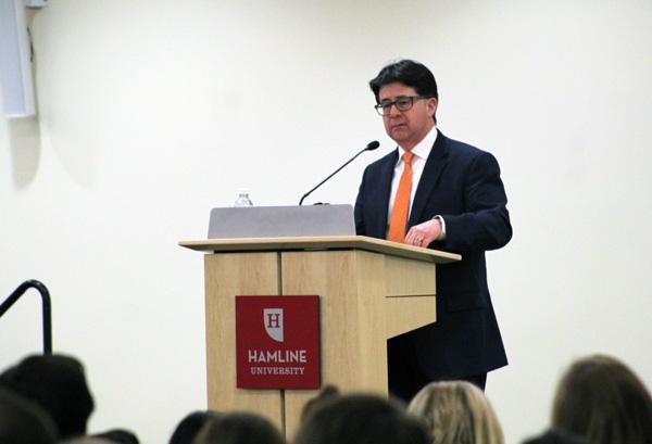 Attorney Dean Strang speaks at Hamline University.