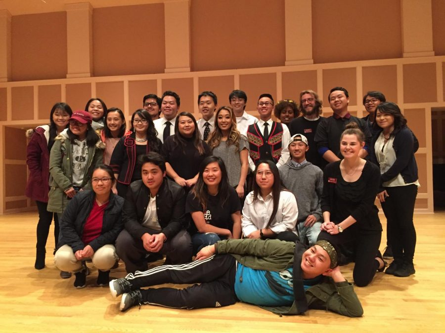 May+Lee+Yang+and+the+members+of+the+Hmong+Student+Association+after+the+opener.%0A