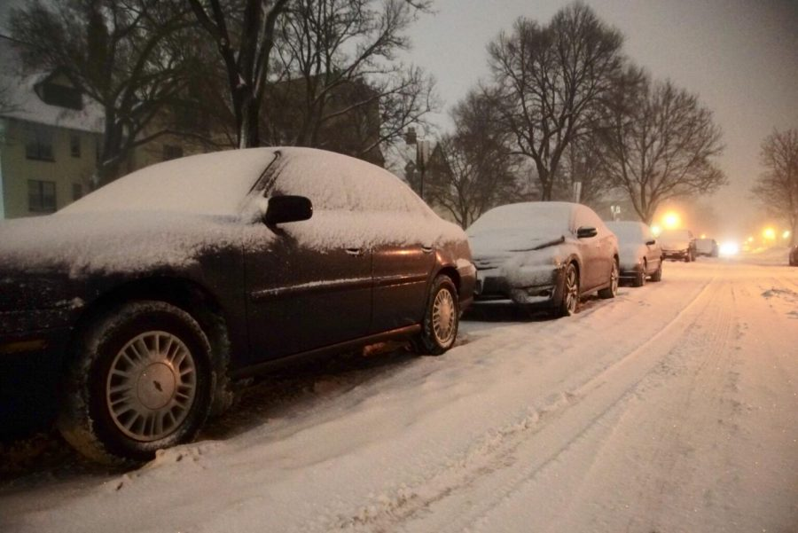 Snow forces slow start to semester