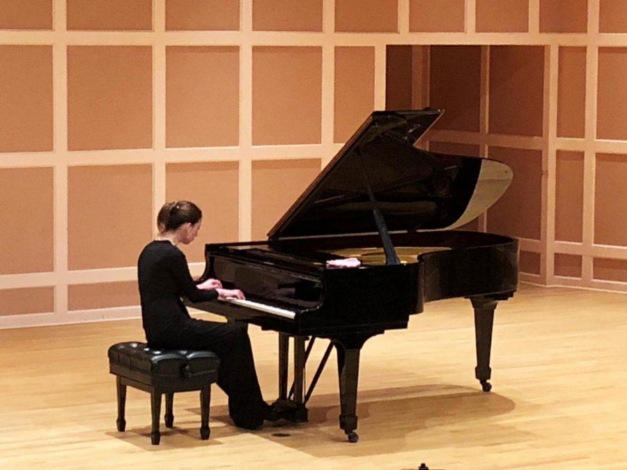 Anna+Keiserman+performs+Sergei+Rachmaninoff%E2%80%99s+%E2%80%9CEtudes-Tableaux+op.+33%E2%80%9D+in+Sundin+Hall+on+April+9.