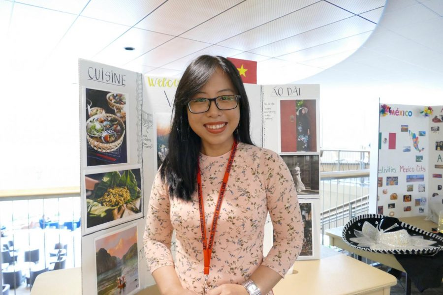 First-year+international+student+Mien+Le+ran+a+table+representing+Vietnam+and+taught+others+about+her+home+country+and+culture.
