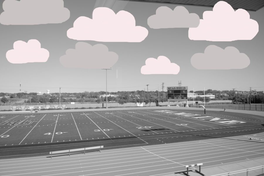 Aidan+Stromdahl+Klas+Field+is+an+iconic+scene+for+many+student+athletes+at+Hamline%2C+and+now+with+the+lifting+of+spectator+restrictions%2C+new+students+can+see+the+stadium+for+the+first+time+while+attending+games.%0A